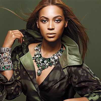 beyonce-with-fashion-jewelry