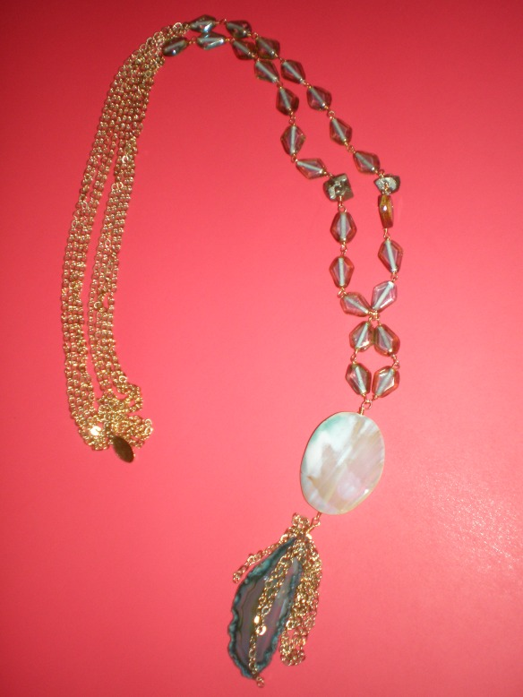 tova glass and chain